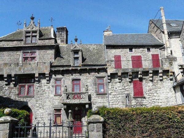 Besse et saint anastaise manoir ste marie des remparts - Office du tourisme besse en chandesse ...